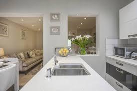 cuisine blanche ouverte sur salon couleur pour cuisine blanche 0 comment meubler votre cuisine