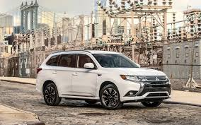 mitsubishi sports car 2018 the 2018 mitsubishi outlander phev finally arrives the car guide