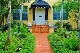 distinctive tropical front yard landscape design u2014 home ideas