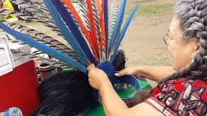 imagenes penachos aztecas capitana de danza azteca prepara nuevas generaciones para seguir con