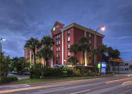 Comfort Inn Miami Airport Holiday Inn Express Miami International Airport 2017 Room Prices