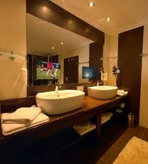 Bathroom Mirror Tv by Top 25 Best Tvs For Bathrooms Ideas On Pinterest Tvs For Dens