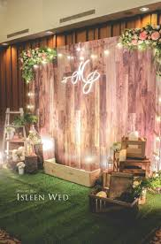 photo backdrop ideas best 25 rustic photo booth ideas on weddings