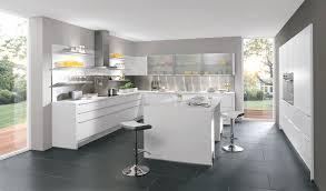 cuisines aviva com cuisine aviva blanche laquée et sans poignée blanches