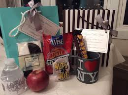 nyc gift baskets 12 best great new york souvenirs and gifts images on