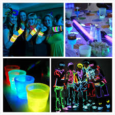 new years party stuff ring in the new year with these nye party themes glow in