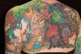 queen hat tattoo ink me with alice in wonderland tattoos tattoo articles ratta