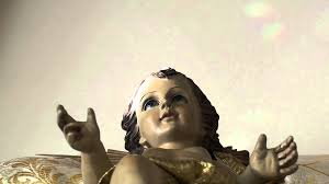 baby jesus statue moving hands miracle illusion sign youtube