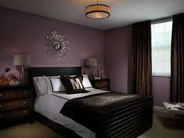 schlafzimmer farben die besten 25 lila wandfarbe ideen auf lila
