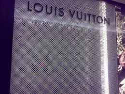 louis vuitton happy217 two layers of patterns overlap to revel the flowers leave it to lv