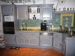 peindre des armoires de cuisine en bois peinture cuisine bois rustique argileo