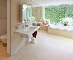 ganzheitliche badgestaltung aus dem kalkstein cleopatra creme