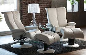 relaxing in leather recliner chairs elliott spour house