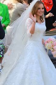kate middleton wedding dress 11 bridal gowns inspired by kate middleton s iconic