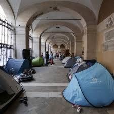 apostoli tende roma apostoli cing in chiesa noi i poveri sfollati