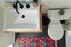 decorative ideas for small bathrooms 21 small bathroom decorating ideas
