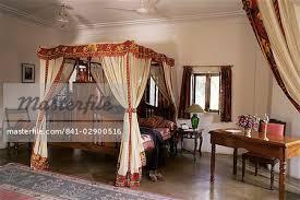 chambre style colonial lit à baldaquin de style colonial 4 reproduction et bloc imprimés