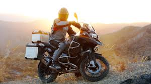 long road moto boot how to ride a big heavy motorcycle off road gizmodo australia