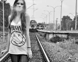 imagenes de chavas rockeras estas jóvenes son rockeras se toman fotos vestidas de sus bandas y