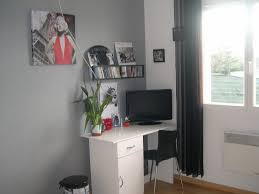 mettre sur le bureau coin bureau photo 2 7 reste à mettre la télé au mur