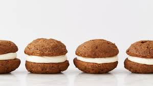 pumpkin whoopie pies with cheese filling