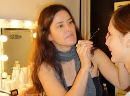 how to become makeup artist how to become a makeup artist step