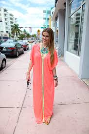 beach style miami styles best south beach fashion and street style