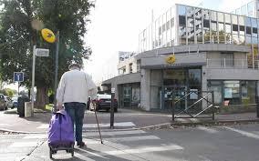 bureau de poste chatenay malabry a antony les services publics se font de plus en plus rares le