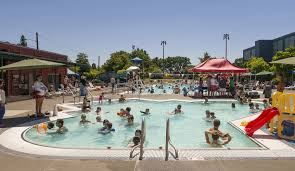summer swimming outdoor pools and water parks in seattle tacoma