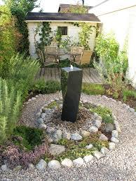 steingarten anlegen welche pflanzenarten sind am besten geeignet