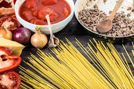 ingr馘ients cuisine cooking of spaghetti bolognese cuisine ingredients 免版權