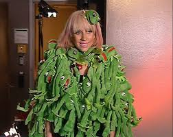 gaga to feature the muppets thanksgiving special
