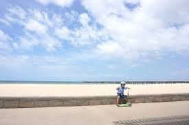 best places to scoot in melbourne altona beach tot or not