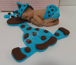 fondant baby with giraffe cake topper blue baby