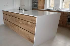 le chene cuisine que ce soit en éaire bas ou pour les meubles tout hauteur le