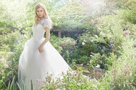 Wedding Dress Trend 2018 The Hottest New Wedding Trends For 2018 Love Our Wedding