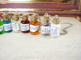 bottle necklace images Game of thrones 1ml glass vial bottle necklace set wildfire JPG