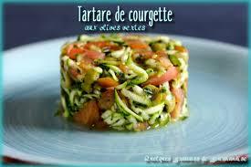 que cuisiner avec des courgettes tartare de courgette aux olives vertes