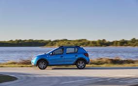 green subaru forester 2016 comparison dacia sandero stepway access sce 75 2016 vs