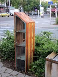 Pallet Wood Bookshelf Diy Pallet Bookshelf With Glass Door 99 Pallets