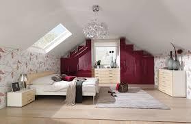 Schlafzimmer Bett Platzieren Schones Deko Schlafzimmer Dachschräge Moderne Bett Mit Dachschräge
