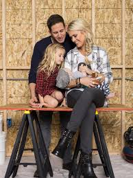 flip or flop stars tarek and christina el moussa split you won t believe this home reno from flip or flop hosts tarek and