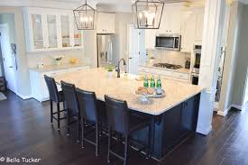 what paint to use on oak kitchen cabinets oak cabinets you don t to live with the grain