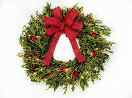 boxwood and berries 22 lighted wreath reviews birch