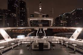 nye cruise chicago almost sold out 2018 chicago new years nye yacht party