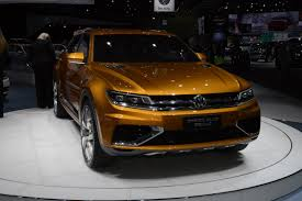 volkswagen crossblue coupe vw reportedly eyeing performance oriented tiguan coupe r model