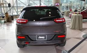 jeep cherokee back 2014 jeep cherokee photos and info news car and driver