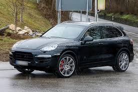 porsche cayenne 2014 black spyshots 2015 porsche cayenne facelift autoevolution