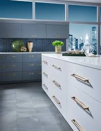 should kitchen cabinets knobs or pulls top knobs guide to decorative hardware size selection top