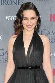 gasp you must see emilia clarke u0027s game of thrones premiere hair